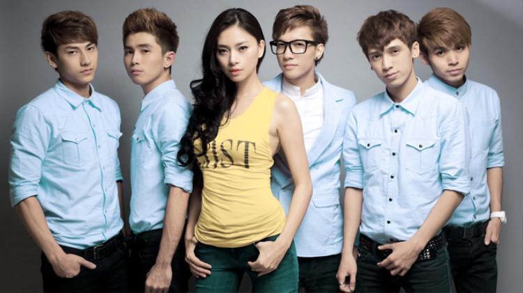 Nhóm 365daband thời 5 thành viên cùng Ngô Thanh Vân.