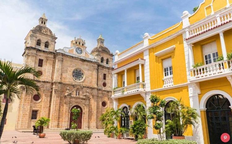"""Colombia: Có lẽ việc nhờ vào thành công của bộ phim """"Narcos"""", đất nước này đã có 18% tăng trưởng du lịch trong năm ngoái. Ngoài ra, trong những năm gần đây, đất nước này (và đặc biệt là thủ đô Bogota) đã trở nên nổi tiếng trên thế giới như là một thiên đường ẩm thực."""