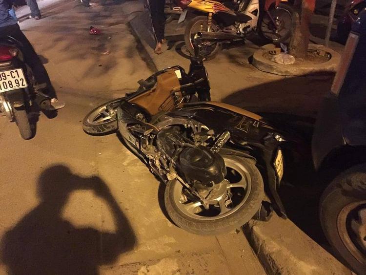 Nhiều người đi đường bị thương sau tai nạn.