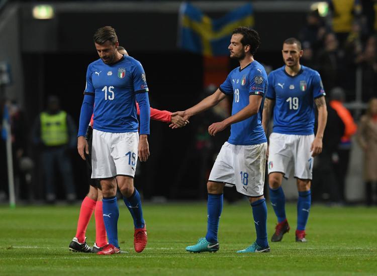 Italia gục đổ trước Thụy Điển như cú sốc thế kỷ của bóng đá thế giới. Ảnh: Getty