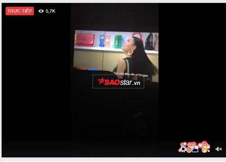 Đoạn livestream trên fanpage của Tr.
