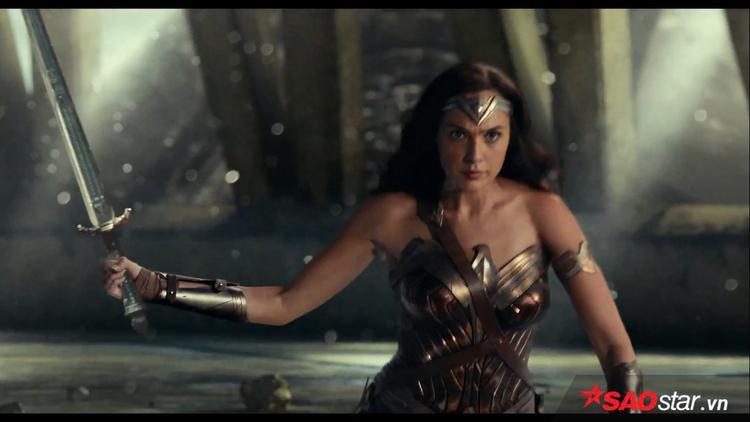 10 điều cần biết về Aquaman  Siêu anh hùng từng dan díu với Wonder Woman