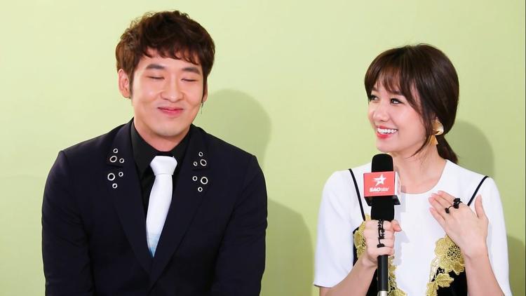 Hari Won livestream thừa nhận mình là bình phong của BB Trần và Tuấn Trần trong phim Thiên Ý