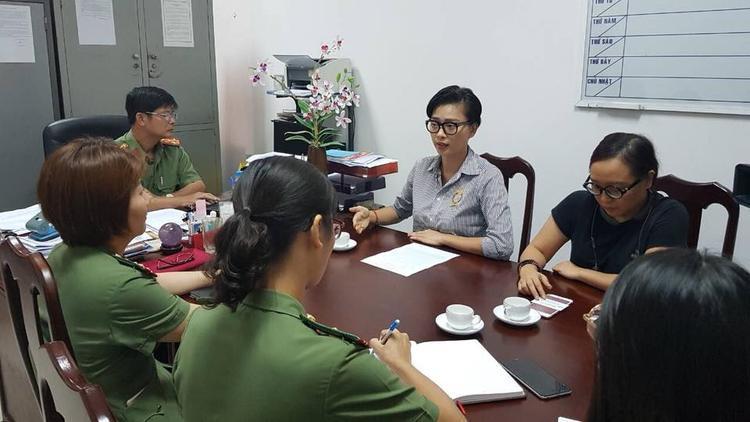 Ngô Thanh Vân làm việc cùng công an.