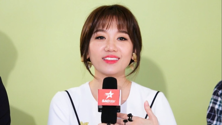Hari Won thích vai diễn của Diễm My 9x, thể hiện sự phấn khích vì Cô Ba Sài Gòn và áo dài