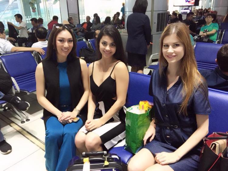 Xuất hiện chớp nhoáng tại Việt Nam, tân Hoa hậu Trái đất gây thất vọng vì nhan sắc nhạt nhoà