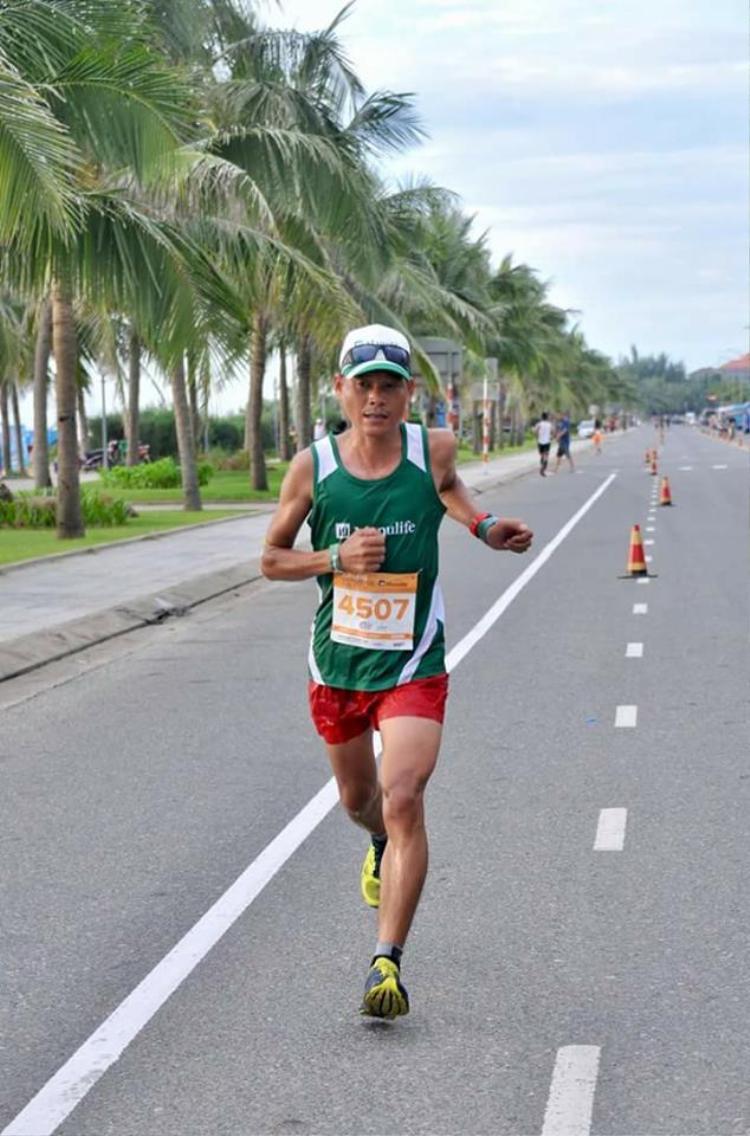 Anh Nguyễn Trung Kiên rất đam mê chạy bộ.