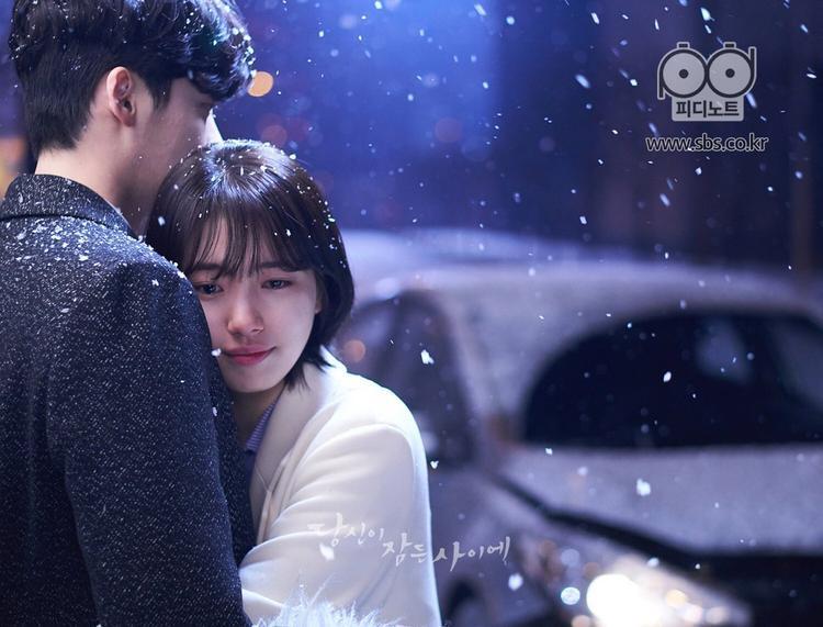 Thời khắc này, đâu sẽ là bờ vai vững chắc an ủi trái tim vừa tan vỡ của Suzy?