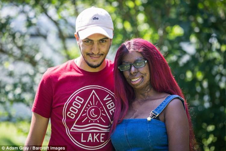 Cuối cùng may mắn đã mỉm cười với cô. Giờ đây Solara đang có một cuộc sống hạnh phúc với người chồng hiện tại tên Gabriel của mình.