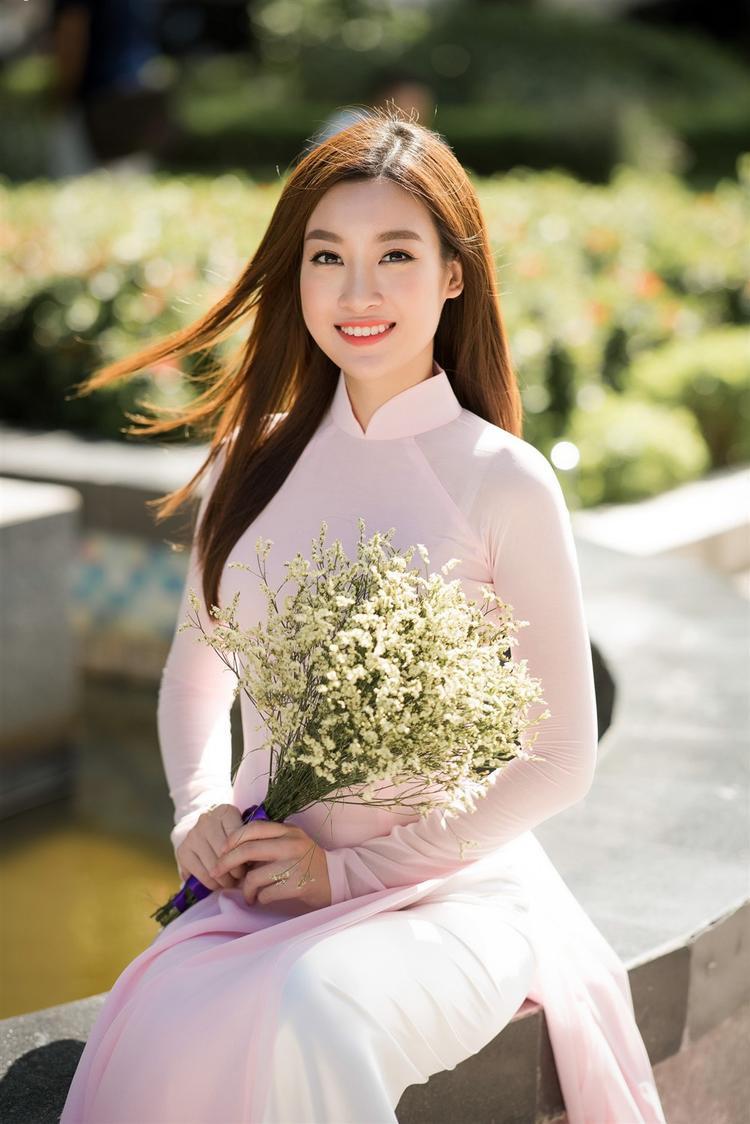 Đỗ Mỹ Linh đốn tim fan với phần thi hùng biện bằng tiếng Anh lưu loát ở Miss World