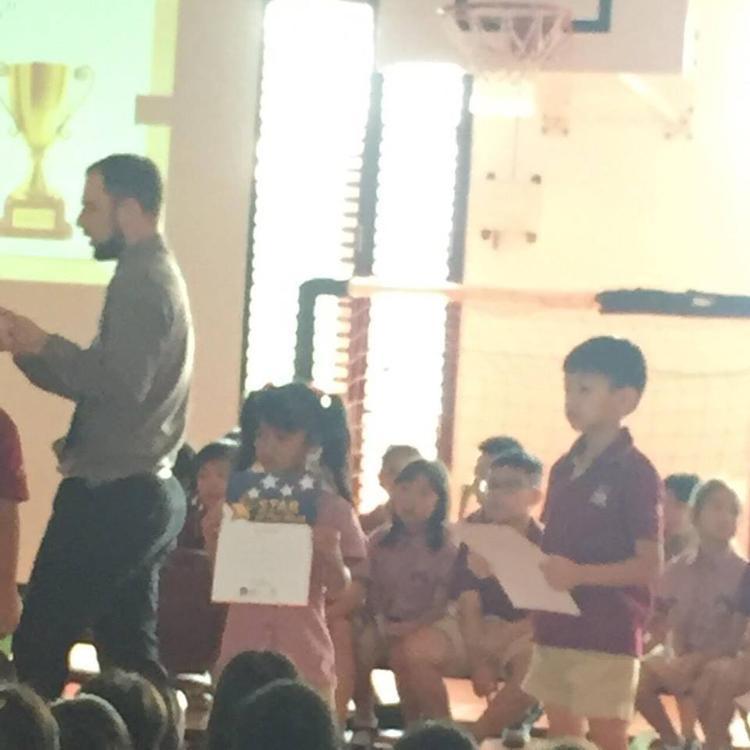 Subeo nhận giải Star of the week tại trường.