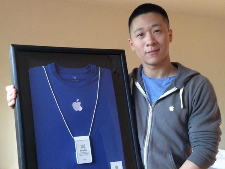 Chuyện tưởng đùa mà thật: Sam Sung từng làm việc cho Apple