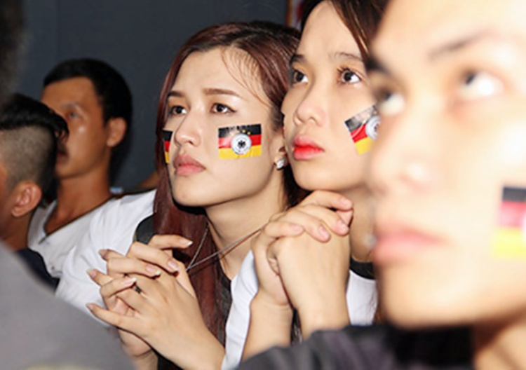 Phương Chi là fan cuồng của tuyển Đức.