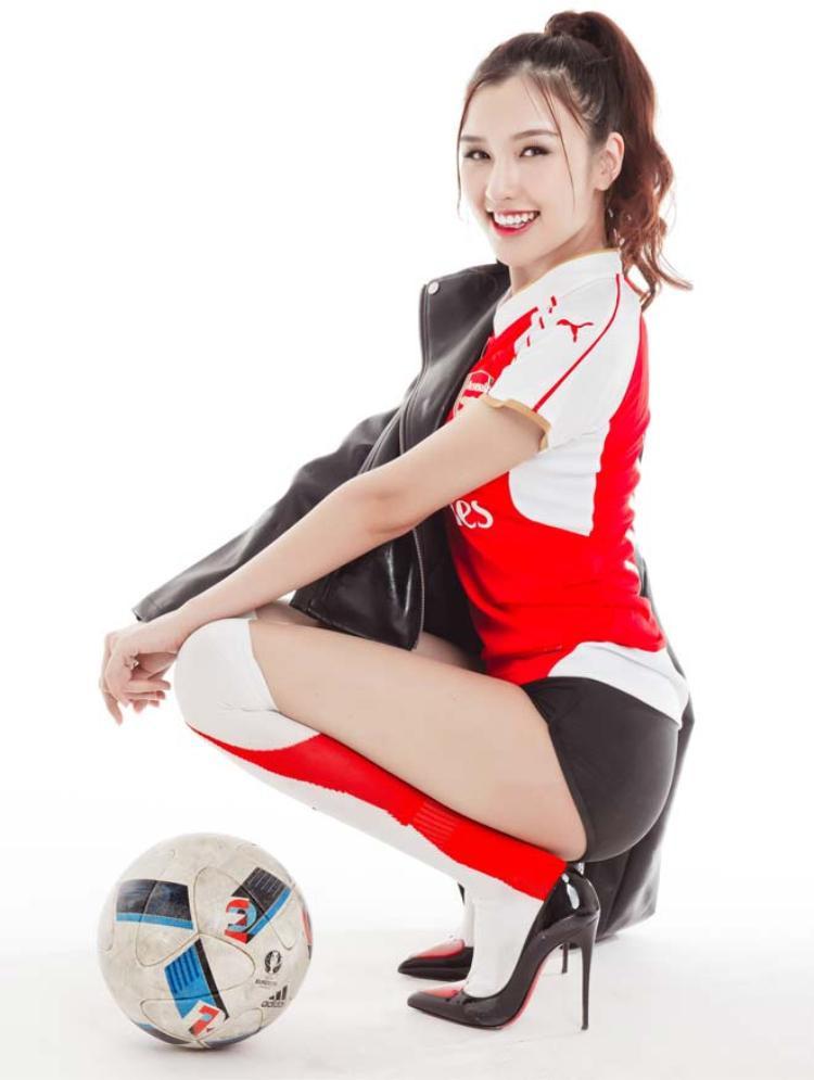 Yêu Ozil nên yêu luôn Arsenal.