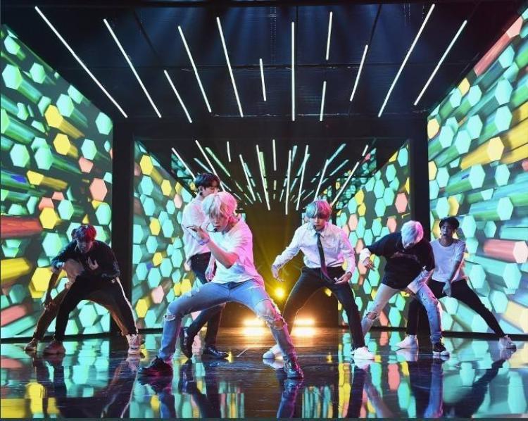 Ban tổ chức hé lộ DNA sẽ là ca khúc nhóm lựa chọn đem tới cho khán giả trong đêm trao giải.