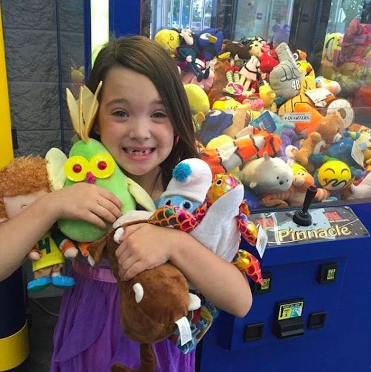 Cô bé Adriana Cross đã rất vui mừng và tự hào về bố của mình.