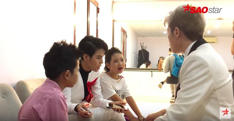 Vũ Cát Tường cùng Đức Phúc chăm chút luyện hát cho học trò