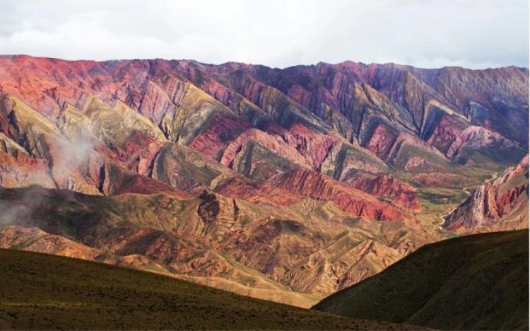 7. Thung lung Quebrada de Humahuaca, Argentina: Di sản Thế giới được UNESCO công nhận này nằm ở tỉnh Jujuy, phía tây bắc Argentina. Khu vực này có dân cư sinh sống từ 10.000 năm trước. Con sông Rio Grande cũng chỉ chảy qua thung lũng vào mùa hè.