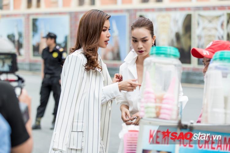 Minh Tú là người đặt ra thử thách xe kem cho Thuỳ Dung.