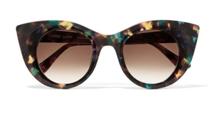 Để không bị chê lỗi mốt, sắm ngay 5 kiểu kính đang khiến các fashionista điêu đứng!