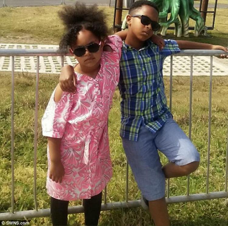 Hai đứa con của Mohammed: Saros (8 tuổi) và Leanor (6 tuổi).