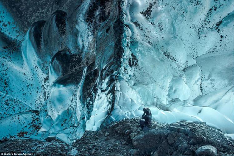Động băng Mendenhall được hình thành từ thời kỳ tiểu băng hà của Trái đất, cách đây khoảng 3.000 năm trước. Tuy nhiên, do sự nóng lên toàn cầu, động băng đang tan chảy với tốc độ chóng mặt.