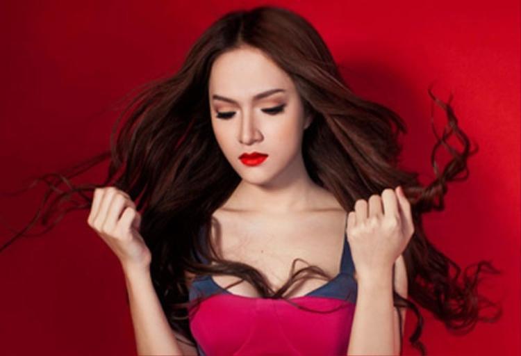 Hương Giang Idol gián tiếp bênh vực Chi Pu: Chúng ta nên chấp nhận sự đa dạng trong xã hội này