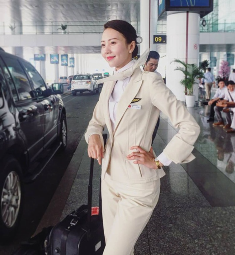 Còn đây là hình ảnh trẻ trung trong đồng phục củahãng Korean Air.