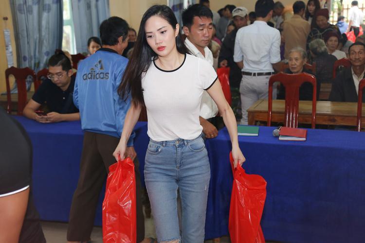 Hoa hậu Đông Nam Á Diệu Linh cũng có mặt trong chuyến đi này.