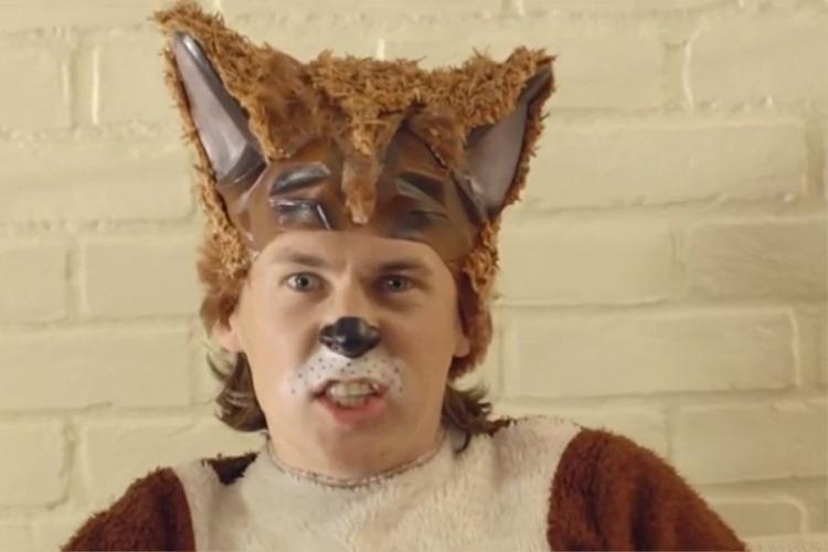 """""""What does the fox say"""" là một video trên YouTube từng được rất nhiều người chia sẻ và đến nay đã thu hút được trên dưới 700 triệu lượt xem. Ylvis, cặp đôi kì quặc đứng đằng sau video này, là ai?"""