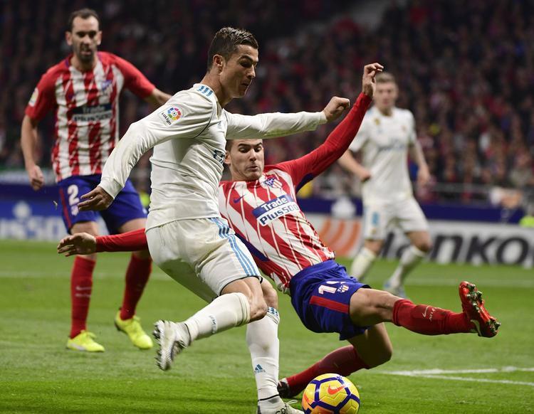 Vụ bạo lực đáng tiếc xảy ra ở trận derby Madrid.