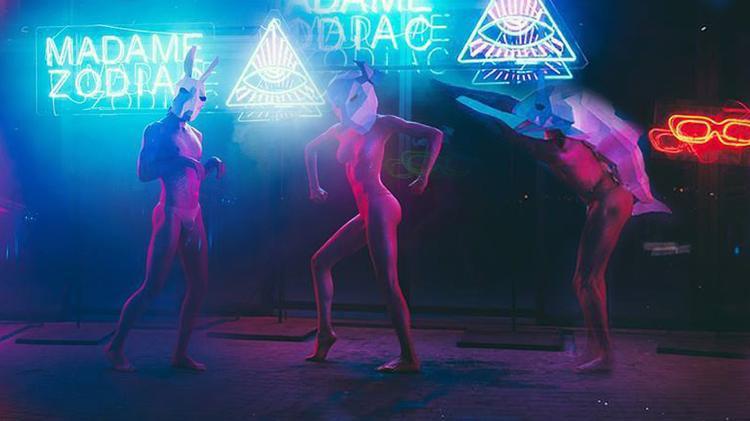 Lại là thử thách chụp ảnh nude, nhưng lần này chương trình mang đến concept hoàn toàn mới.