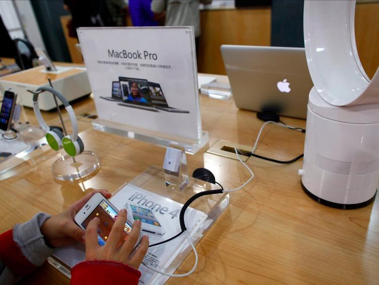 Khu vực trải nghiệm các sản phẩm của Apple.