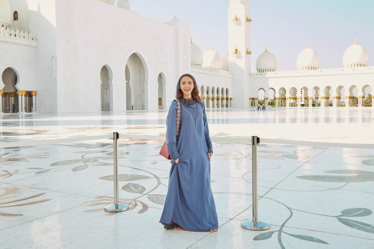 Minh Hằng  Phạm Hương khẳng định vẻ đẹp Việt tại xứ sở Ả Rập