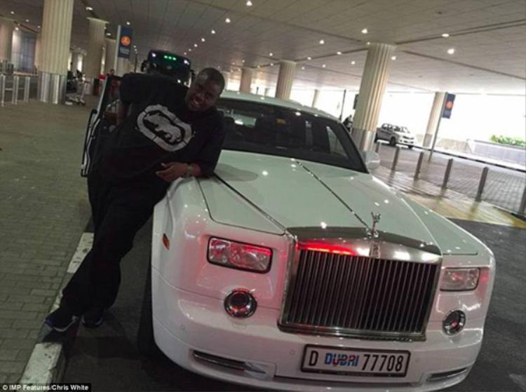 Wicknell Chivayo được coi là người giàu có nhất trong hội con nhà giàu ở Zimbabwe.