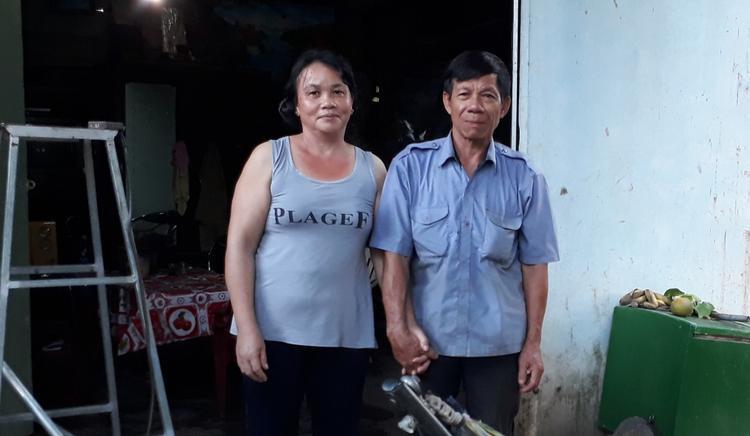 Vợ chồng bà Dung hạnh phúc sau nhiều năm chung sống.
