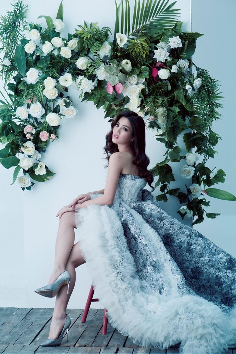 Hành trình chạm tay đến chiếc vương miện cao quý Hoa hậu Hoàn vũ Việt Nam 2017 đang đến rất gần, các thí sinh ráo riết chuẩn bị cho mình những tuyệt chiêu trước thềm chung kết. Thí sinh trưởng thành từ The Face 2017 - Mỹ Duyên với quyết tâm cao độ đang nhận được nhiều sự phản hồi tích cực từ công chúng.