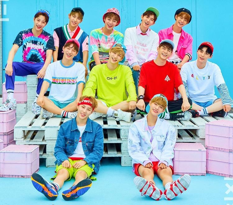 Nhóm nhạc nam 11 thành viên hứa hẹn sẽ tạo ra chiến thắng ngoạn mục trong mùa giải MAMA đầu tiên tham gia.