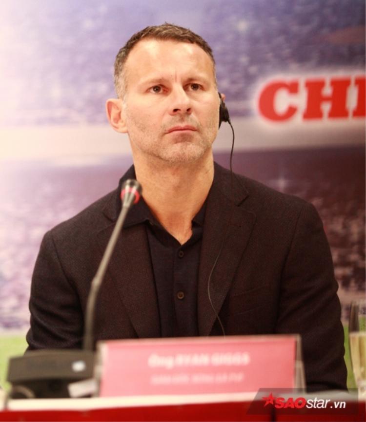 Giggs mơ đưa tuyển Việt Nam dự World Cup 2030.