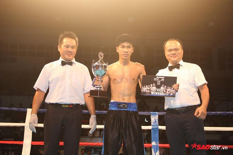 Trần Văn Thảo vô địch giảiboxing chuyên nghiệp SSC Championship 2015