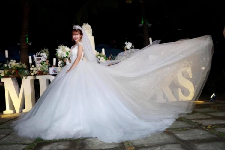 Những khoảnh khắc đẹp trong tiệc cưới hot nhất năm của Khởi My  Kelvin Khánh