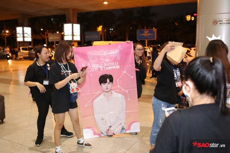 Các Wannable đầu tư khá nhiều về mặt hình ảnh poster khi chào đón Wanna One.