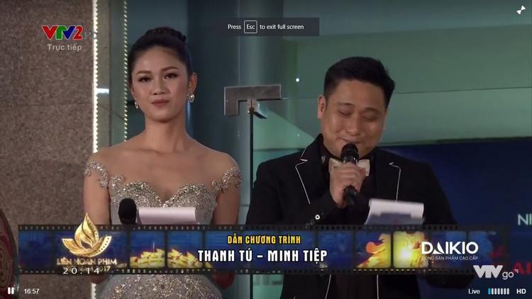 Á hậu Thanh Tú và diễn viên Minh Tiệp làm MC thảm đỏ.