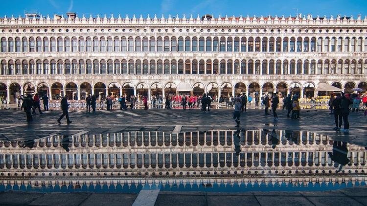 Venice, Italy: Quảng trường St Mark vào ngày trước Festa della Salute - 1 lễ hội tôn giáo được tổ chức hàng năm ở Venice vào tháng 11 từ năm 1630.