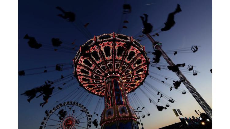 Munich, Đức: Lễ hội bia Oktoberfest 184 diễn ra sôi động vào tháng 9 và tháng 10, thu hút hàng nghìn người đến với thành phố Đức.