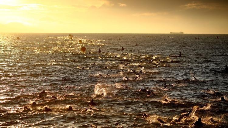 Weymouth, Anh: Các vận động viên tham dự cuộc đua Iron Man 70.3.