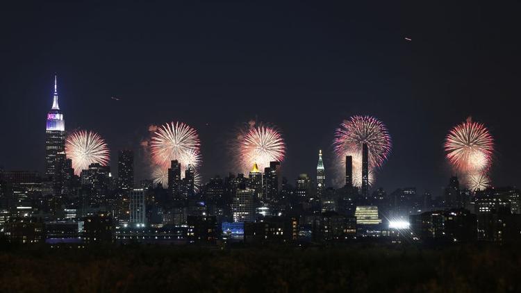 Thành phố New York: Trung tâm thương mại Macy's đã chứng kiến hơn 60.000 lượt pháo hoa trong suốt các ngày kỷ niệm năm 2017, đánh dấu Ngày độc lập của Hoa Kỳ vào 4/7.