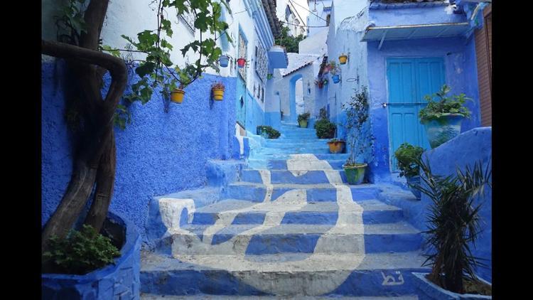 Chefchaouen, Ma-rốc: Thị trấn Chefchaouen thuộc dãy núi Rif của Ma-rốc nổi tiếng với những bức tường màu xanh và những con đường như mê cung.