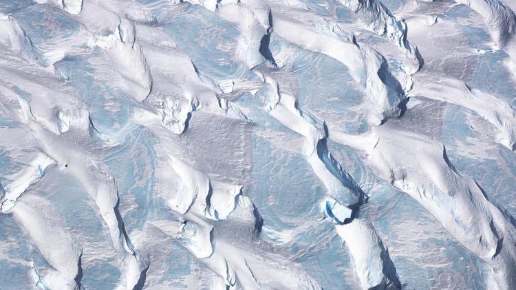 Bán đảo Nam Cực: Ảnh chụp từ máy bay nghiên cứu của NASA vào 10/2017 để theo dõi sự tan chảy của băng.