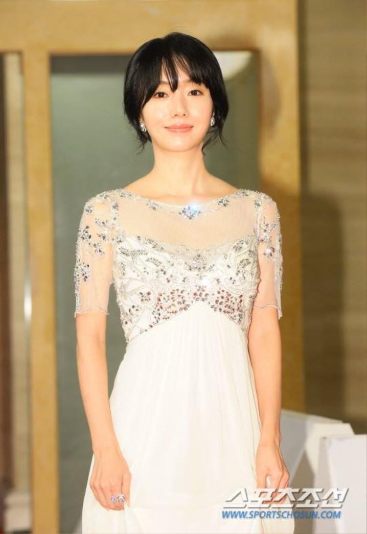 Lee Byung-hun, Yoona cùng dàn sao lớn tại thảm đỏ Lễ trao giải Rồng Xanh 2017